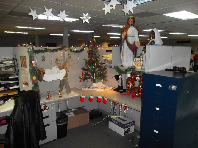 Christmas Cubicle Decorations Cindy Lou Who