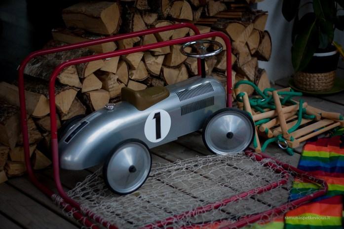 grey toy car