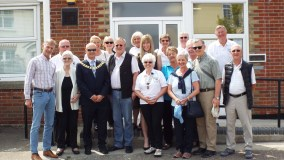 Club Members and Guests with Mayor Carl Powling