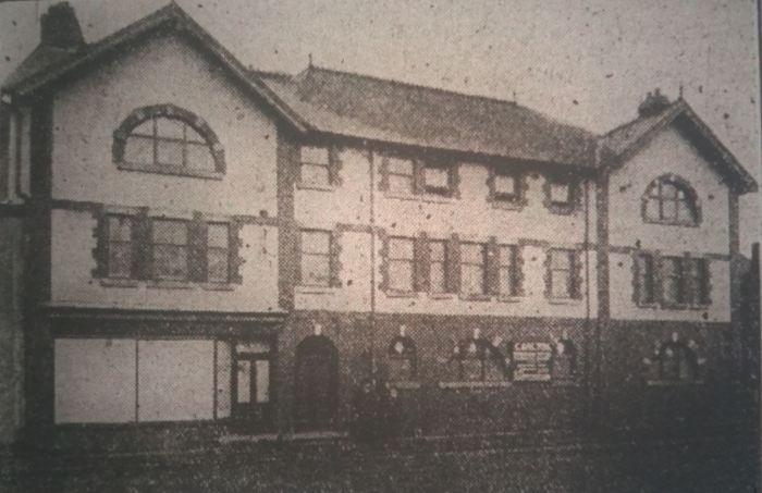 carlton-house-merthyr-express-16-12-1911