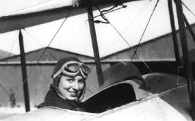 María Bernaldo de Quirós, primera piloto de aviación