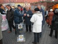 Membrii cluburilor Lions Brukenthal şi Rotary vin în ajutorul tinerilor artişti sibieni