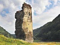 Turnul Spart de pe Valea Oltului, pus în pericol de nişte muncitori care lucrează pe DN7