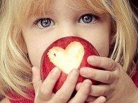 Consumul de fructe și legume, încurajat în școlile sibiene