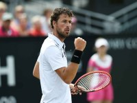 Home favourite Robin Haase reaches the Topshelf Open quarter-finals for the first time in seven appearances on Wednesday in 's-Hertogenbosch as he upsets seventh seed Fernando Verdasco 7-6(4), 6-3.