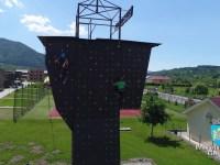 Cisnădia are cel mai mare panou de escaladă din județul Sibiu, cu peste 20 de trasee