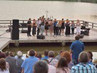 Discipolii lui Gheorghe Zamfir fac spectacol în Dumbrava Sibiului