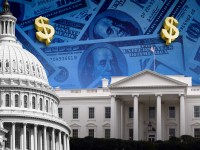 Dolarul american, la maximul ultimilor trei ani | ANALIZĂ
