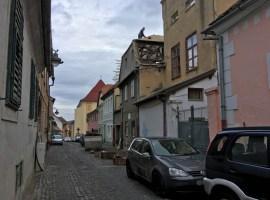 Șantier penal în centrul istoric al Sibiului!
