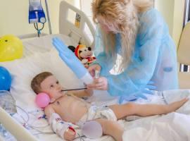 Operațiile copiilor bolnavi de inimă, decontate la Sibiu prin Casa de Asigurări de Sănătate