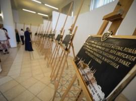 Plăcile memoriale care vor fi amplasate cu prilejul Centenarului la Sibiu, ascunse de ochii presei!