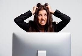 Două treimi dintre europeni suferă de stres cibernetic. Ce este şi cum se manifestă afecţiunea