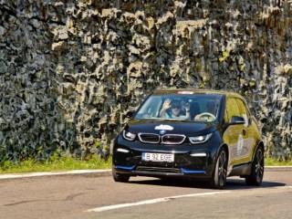 Adelin Petrișor / Adrian Mitrea - BMW i3