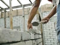 RISCURILE la care se expun sibienii care lucrează în străinătate. Ce le recomandă inspectorii de muncă?