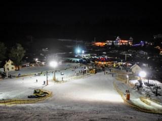 Concurs de drifturi pe zăpadă pentru amatorii de SENZAȚII TARI, la Arena Platoș Păltiniș!