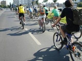 Studiu: mergi zilnic cu bicicleta? Ești sărac!