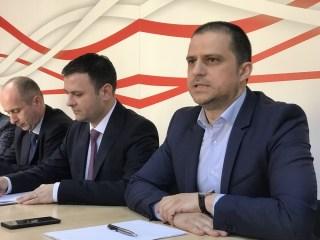 Ministrul Turismului, Bogdan Trif, și vicepremierul Daniel Suciu