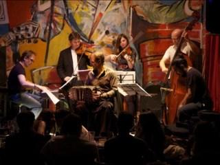 Piața Mare devine cea mai mare sală de concerte jazz, cu intrare gratuită