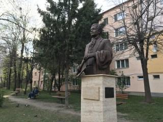 Statuie amplasată ilegal de Primăria Sibiu