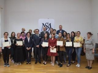 Fundația Michael Schmidta acordat burse, pentru al șaselea an consecutiv, studenților care se pregătesc să devină cadre didactice la clasele cu predare în limba germană