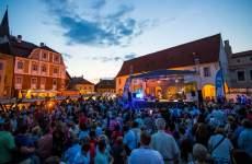 """Street Music Festival"", sub semnul muzicii românești"