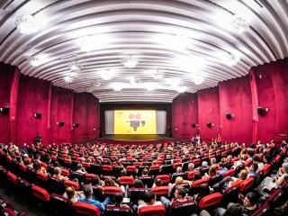 Filme românești sold-out și mii de cinefili prezenți la proiecțiile în aer liber