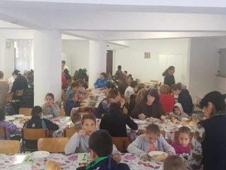 Daruri din Cisnădie pentru copiii sărmani de la Valea Plopului