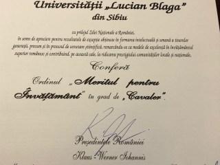 """Universitatea """"Lucian Blaga"""" din Sibiu, decorată cu Ordinul Meritul pentru Învățământ în grad de Cavaler de președintele României"""