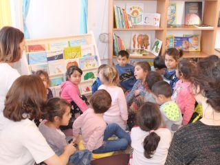 Copiii de la Rusciori au o nouă bibliotecă școlară