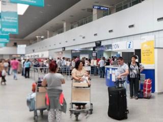 """Adio cozi la Aeroportul Internaţional Cluj? """"Pasagerii nu mai trebuie să-şi scoată laptopul"""""""