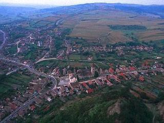 Biserica scoate la vânzare școala dintr-un sat din Sibiu