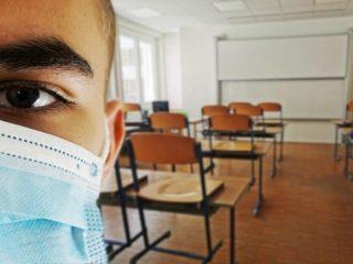 Cursuri suspendate în 6 școli din Sibiu și Mediaș din cauza Covid. Lista școlilor
