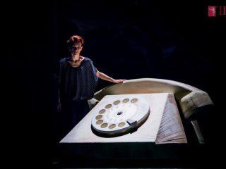 """""""Sînt o babă comunistă!"""". Teatrul de Balet Sibiu își încheie stagiunea"""