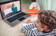 Peste 2100 de preșcolari și elevi vor învăța în sistem online
