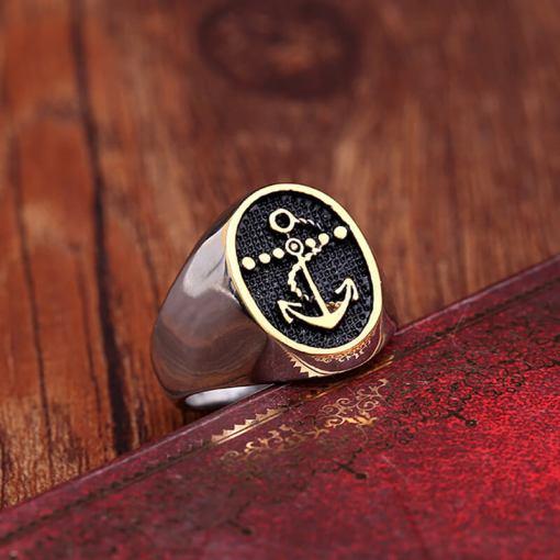 bague vintage d'Ancre Retro et classique vue de profil