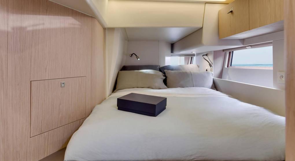 interieur-cabine-2-oceanis-yacht-62-beneteau-mesailor