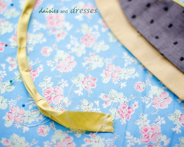 double collar DIY: daisies and dresses