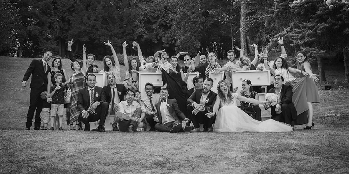 photos des mariés avec leurs amis