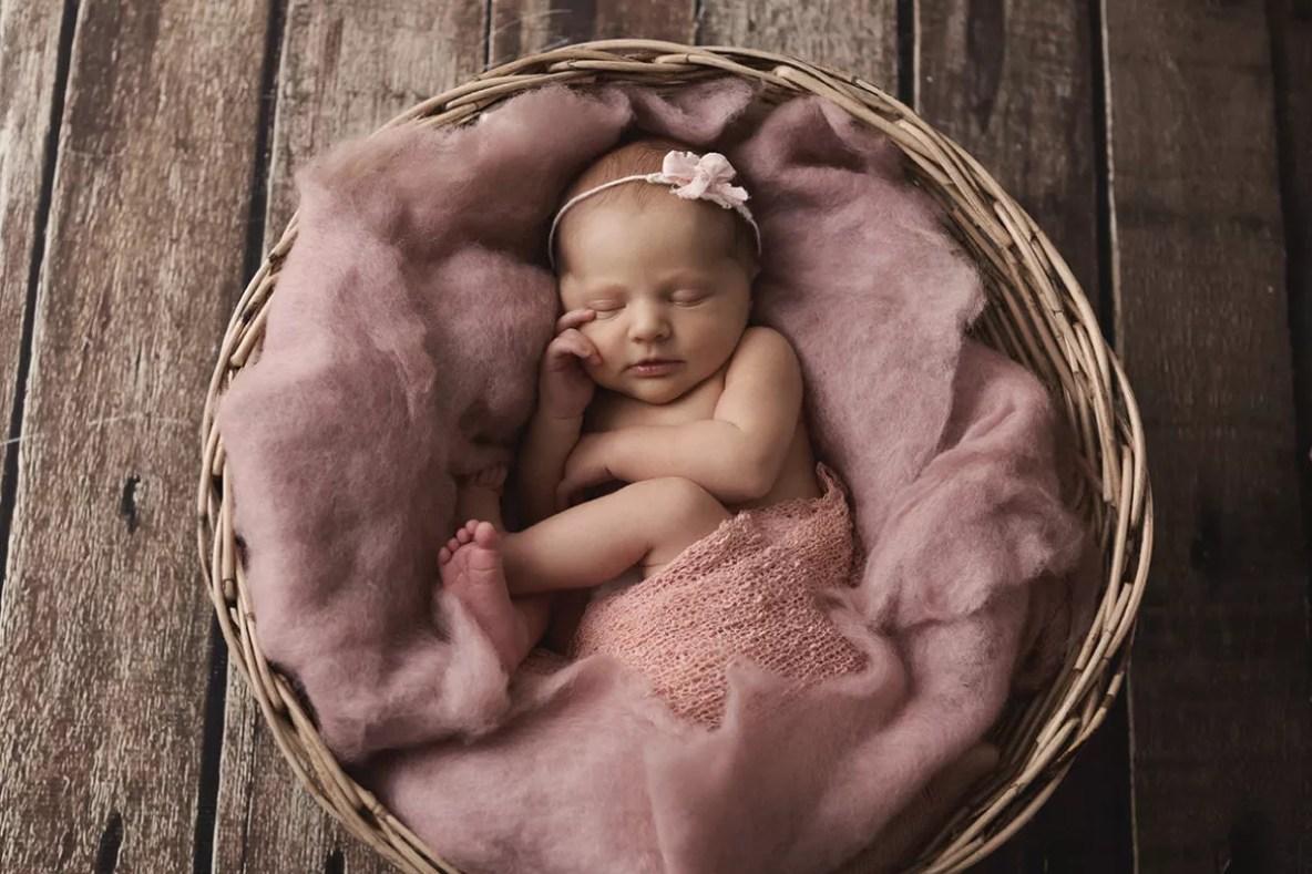 photographe de naissance nouveau-né fille paris