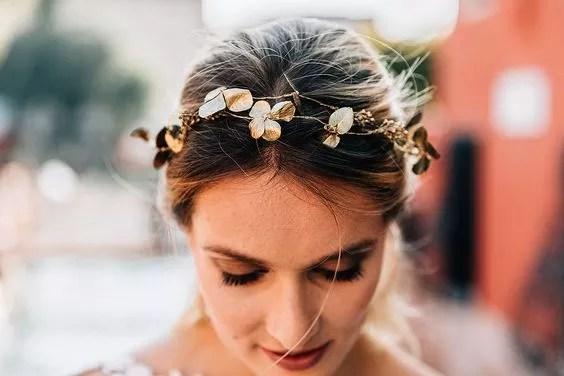idees accessoires photo grossesse couronne vegetale en or