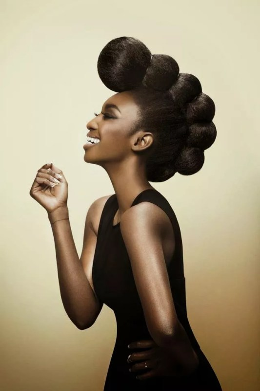 idée coiffure afro seance photo grossesse