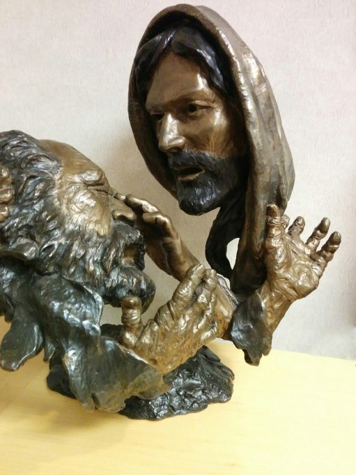 jesus-healing-the-blind-man-satue-copy