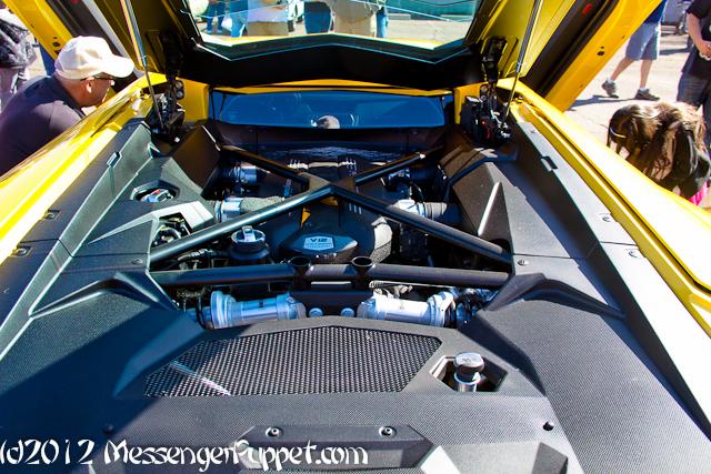 Lamborghini Aventador engine