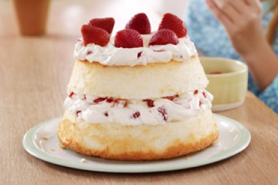 Strawberry-Cream-Angel-Cake-15456
