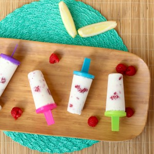 CREAMY RASPBERRY LEMONADE POPSICLES