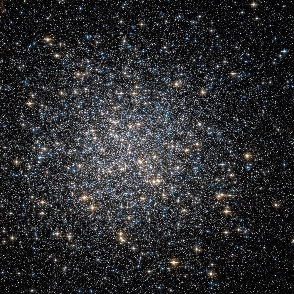 Messier 13: Hercules Globular Cluster – Messier Objects