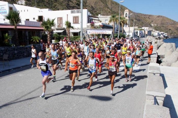 """Al via il """"Giro Podistico a Tappe delle Isole Eolie"""""""