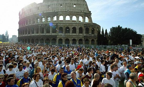 Oltre 14.000 al via della Maratona di Roma