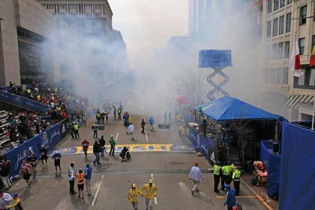 Maratona di Boston, due esplosioni all'arrivo