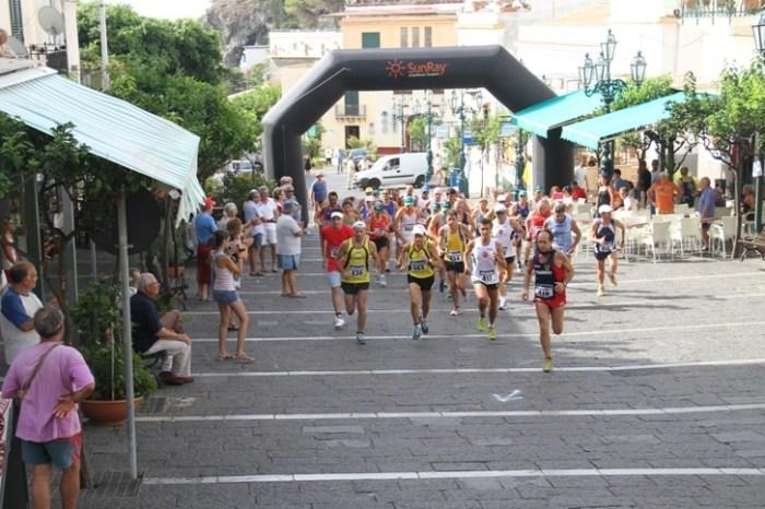 L'Isola di Ustica si prepara al suo Giro Podistico